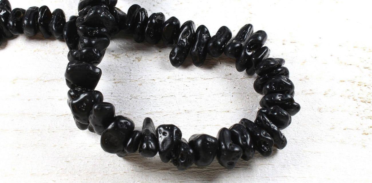 pierre tectite noire