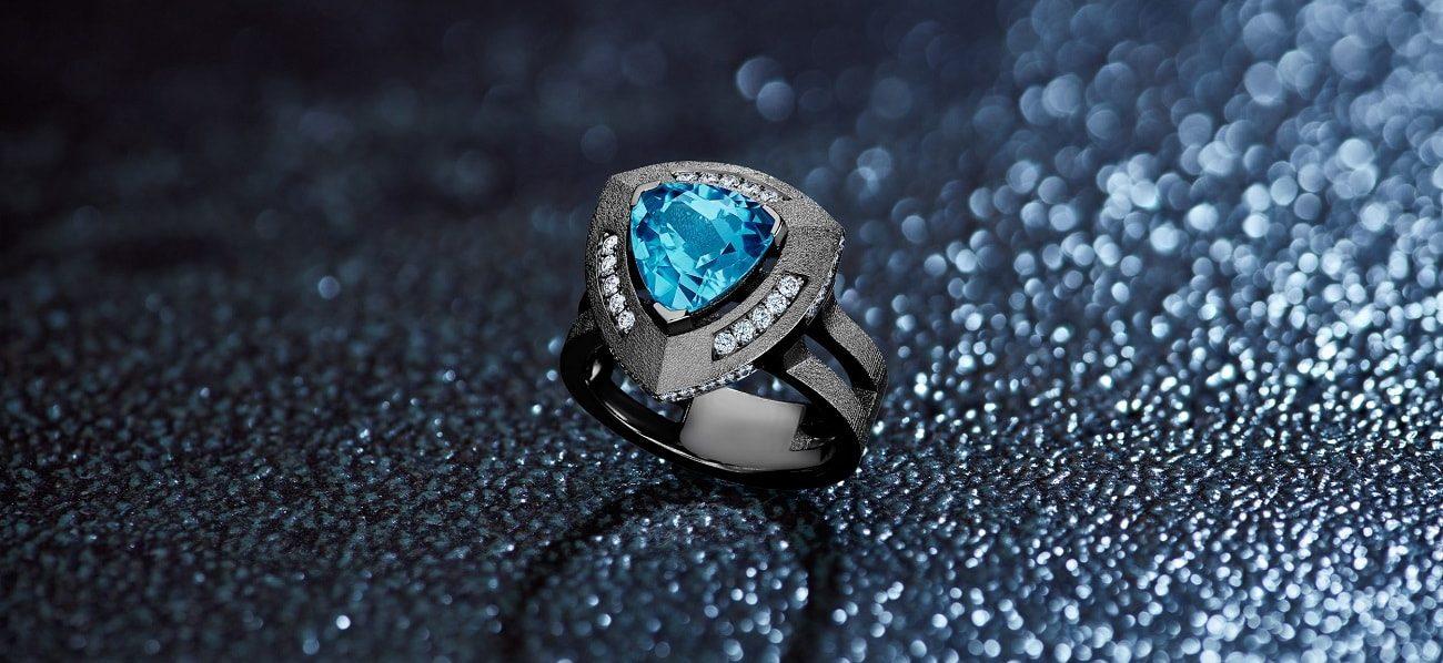 pierre topaze bleue