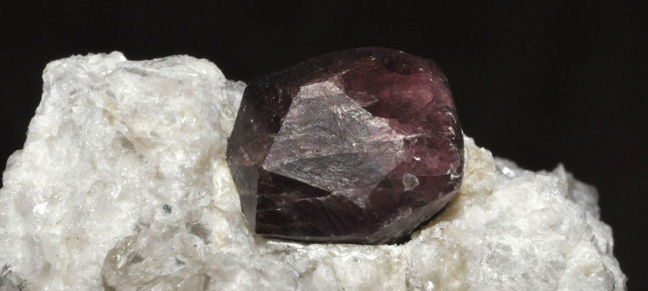 pierre grenat pyrope