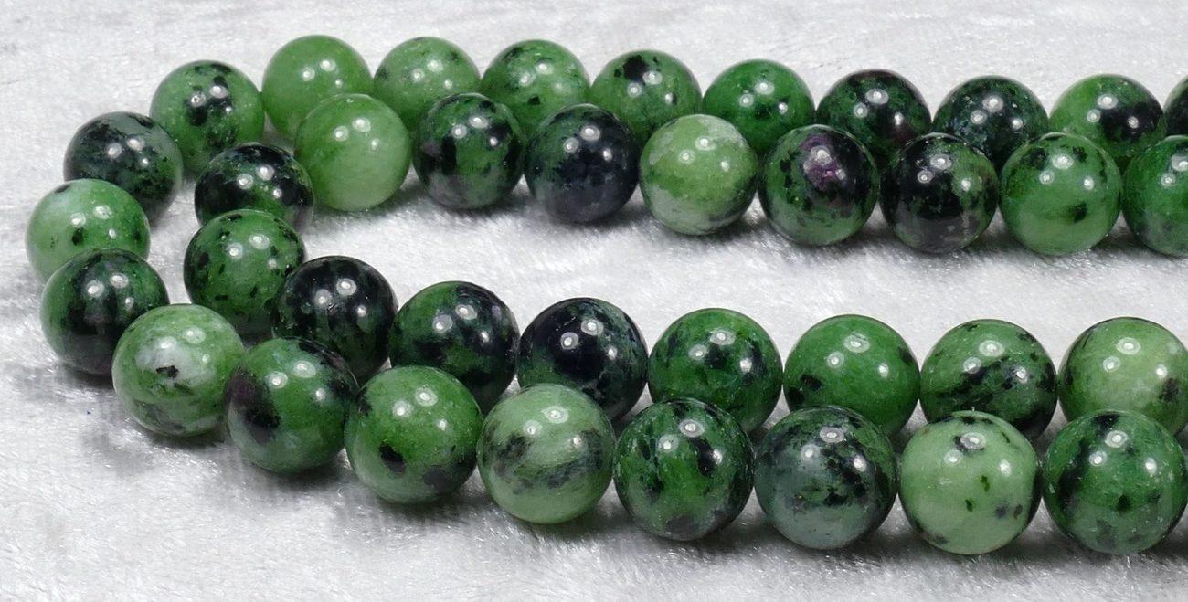 pierre Zoizite verte