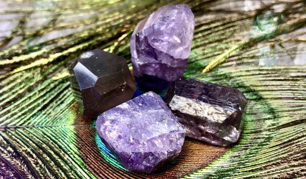 pierre Scapolite violette